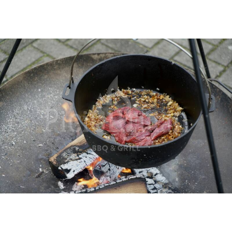 """Camp Chef Deluxe Dutch Oven """"30"""